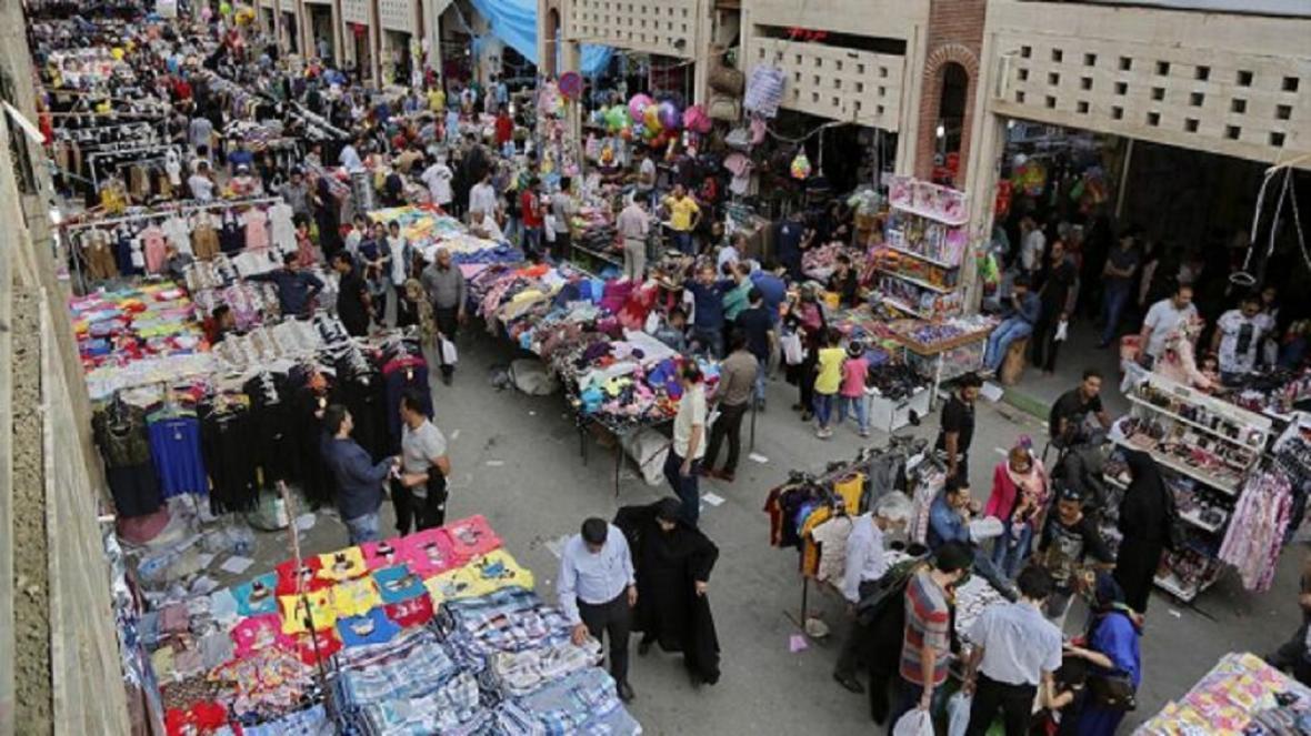 بازاریان گناوه داوطلبانه بازار را تعطیل نمایند
