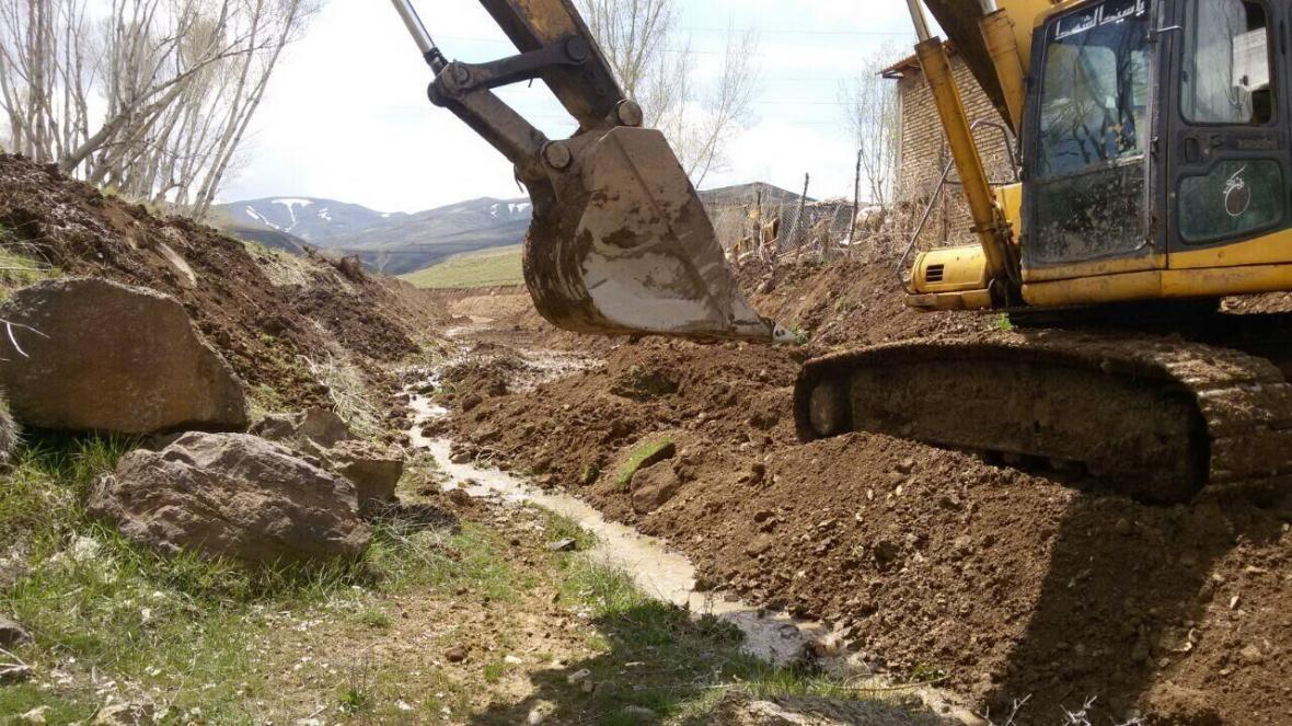 خبرنگاران زمین های جهت رودخانه بردول پارسیان بدون استعلام واگذار شده است