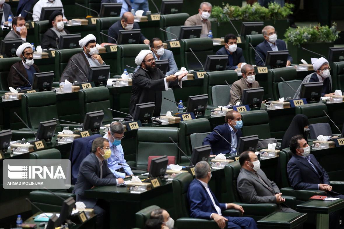 خبرنگاران راه چاره مسائل مالی در همگرایی بهارستان و دولت